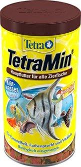 tetramin-hauptfutter-fuer-alle-zierfische-in-flockenform-fuer-ein-langes-und-gesundes-fischleben-und-klares-wasser-plus-praebiotika-fuer-verbesserte-koerperfunktionen-und-futterverwertung-1-liter